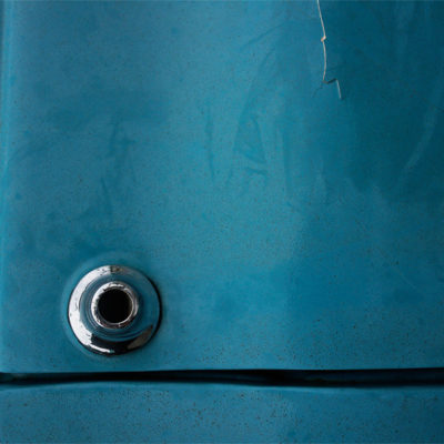 Blue car IV / Reproduction interdite © Carles Prat