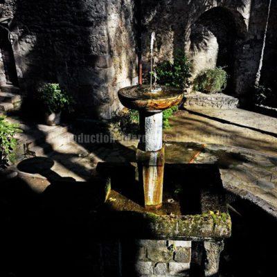 Fontaine à Céret / Reproduction interdite © Carles Prat